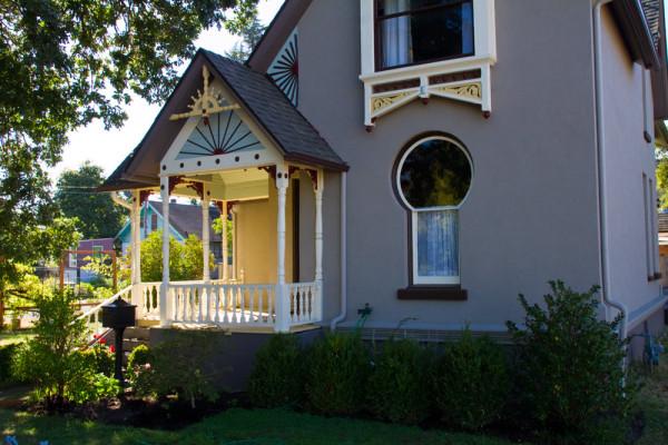 The Keyhole House