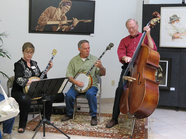 Anna Tewes (one of our artists), Dick Martin (Anna's partner) and Ron Green (artist Tessa's husband) entertained our guests with lively music.